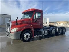 2013 Freightliner Cascadia 8x4 Tri/A Truck Tractor