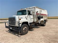 1994 Ford L8000 S/A Feed Truck
