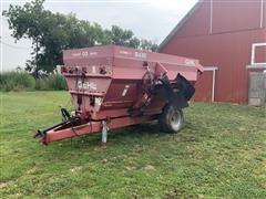Gehl 8435 Feed Wagon