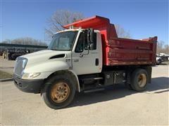 2006 International 4300 S/A Dump Truck