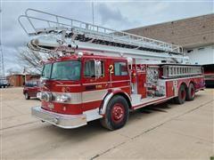 1977 Oshkosh A-1834-3C1 Ladder Fire Truck