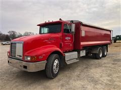 1995 International Eagle 9400 T/A Grain/Silage Truck