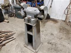 Black & Decker Pedestal Grinder