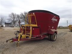 Supreme International 900T Feeder Mixer Wagon