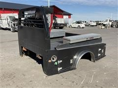 CM Deluxe 5th Wheel Truck Bed W/ Air Compressor