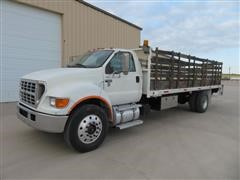 2000 Ford F650 S/A Flatbed Truck
