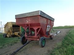 E-Z Trail 300 Gravity Box With Side Auger