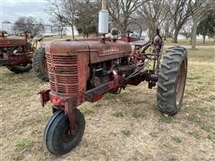1950 International Farmall M 2WD Tractor (Inoperable)