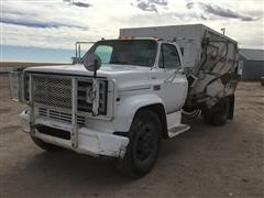 1973 GMC C6000 S/A Feed Truck