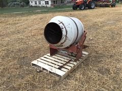 Cherokee 13233 Mobile Concrete Mixer