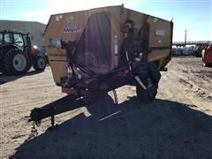 Knight 2450 Reel Auggie Feed Wagon