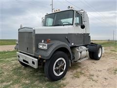 1989 White/GMC WCA42T S/A Day Cab Truck Tractor