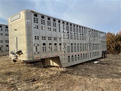 1990 Wilson PSDCL-208 48' T/A Aluminum Livestock Trailer