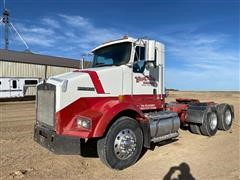 2005 Kenworth T800 Day Cab T/A Truck Tractor