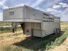 1982 Circle J 20' Lightfoot T/A Gooseneck Livestock Trailer