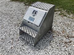 Merritt Saddle Box Tool Box