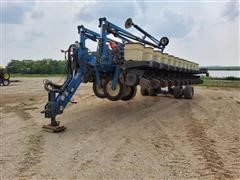 Kinze 2700 24-Row Planter