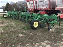 1997 John Deere 856 Row Crop Cultivator