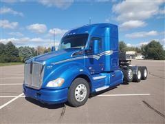 2017 Kenworth T680 Tri/A Truck Tractor