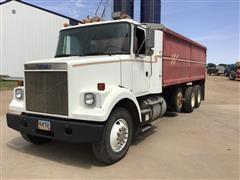 1988 White GMC WCS64T Tri/A Grain/Silage Truck