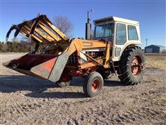 1974 International 1066 2WD Tractor W/Loader