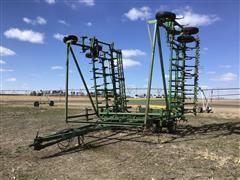 John Deere 1050 Field Cultivator