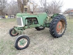 Oliver 88 Row Crop 2WD Tractor