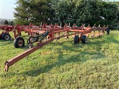 Wil-Rich 2900 10 Bottom Plow
