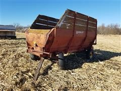 Farmhand 200 Power Box Forage Wagon