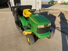 John Deere LT155 Lawn Mower W/bagger