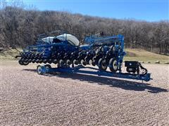 2015 Kinze 3600 16/31 Interplant Planter