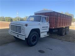 1974 Ford F700 T/A Grain Truck