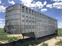1984 Chamberlin JPSDL-102 T/A Livestock Trailer