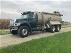 2004 International 7500 6x4 T/A Liquid Manure Truck