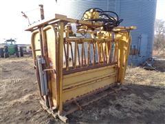 Baasch Standard Size Hydraulic Squeeze Chute