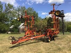 Bourgault 9200 Field Cultivator
