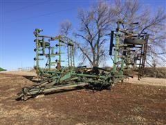 John Deere 1000 27' Field Cultivator