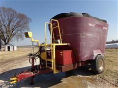 Supreme 700T Hay Grinder/Mixer Wagon