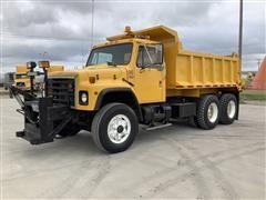 1988 International F1954 T/A Dump Truck