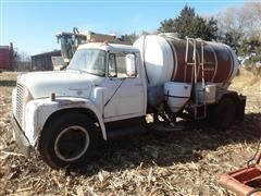 1972 International Loadstar 1600 Water Truck