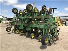 "John Deere 885 12R30"" Cultivator"