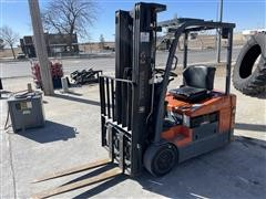 Toyota 7FBEU18 2WD Forklift
