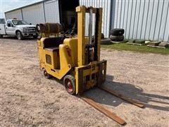 Towmotor LT48 4000 Lb Forklift