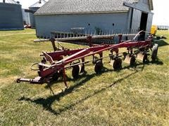 International 710 6-Bottom Plow