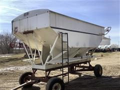 Willmar Load Runner 16 Dry Fertilizer Tender