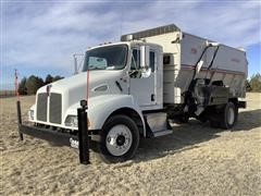 2004 Kenworth T300 Feed Truck w/ 16' 575 Harsh Box 4 Auger Feeder/Mixer