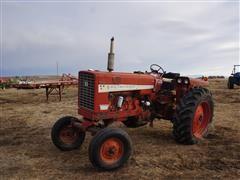 International 656 2WD Tractor (INOPERABLE)