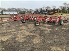 Wil-Rich Quad 5 Field Cultivator