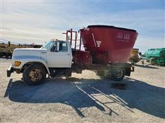 1998 Ford F700 Feed Truck