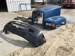 Kenworth T600 Truck Tractor Hood, Bumper, & Grill